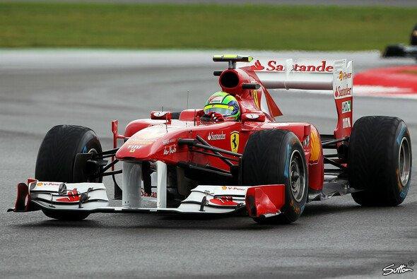 Felipe Massa setzte sich am Ende durch - Foto: Sutton