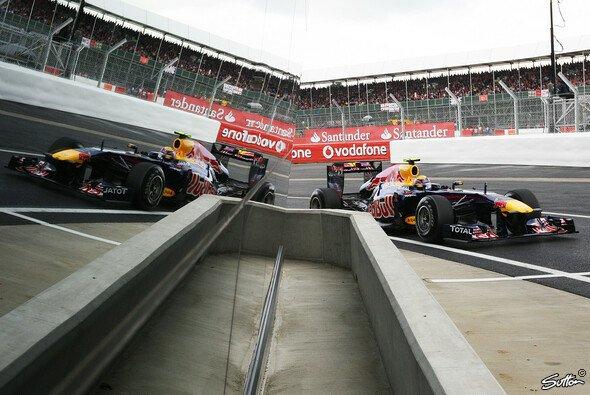 Mark Webber setzte sich in Silverstone durch - Foto: Sutton