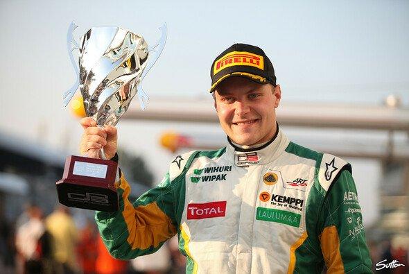 Valtteri Bottas siegte bei seinem Gastauftritt in der britischen Formel 3 auf Anhieb - Foto: Sutton