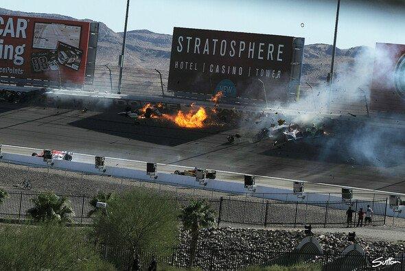 Dan Wheldons brennendes Wrack in Las Vegas