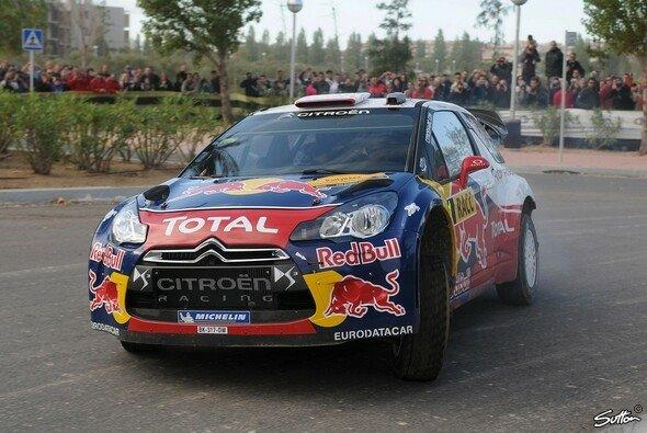 Sebastien Loeb zeigte sich von Jari-Matti Latvala überrascht - Foto: Sutton