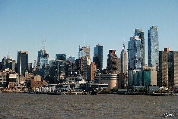 Vor der atemberaubenden Skyline von New York sollen bald die F1-Piloten Gas geben
