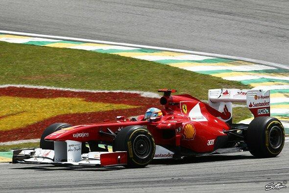 Ferrari muss sich teamintern finden - Foto: Sutton
