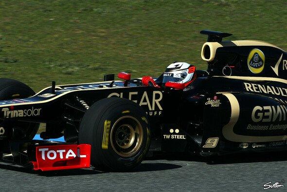 Räikkönen drehte am Montag erste Runden im R20 - Foto: Sutton