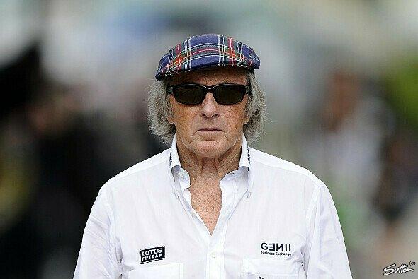 Jackie Stewart blickt finster drein: Der Grund dafür ist die FIA - Foto: Sutton
