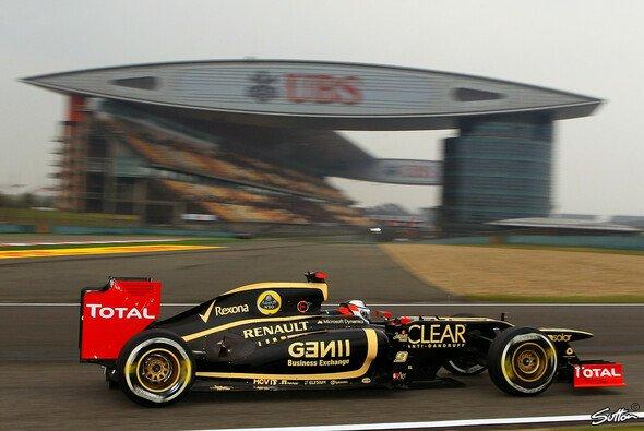 Kimi Räikkönen wirkt nicht allzu zuversichtlich - Foto: Sutton