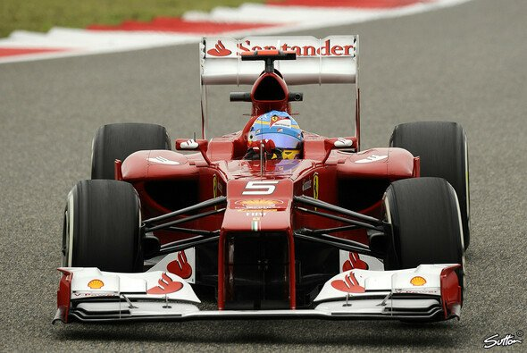 Fernando Alonso hat die WM noch nicht abgeschrieben - Foto: Sutton