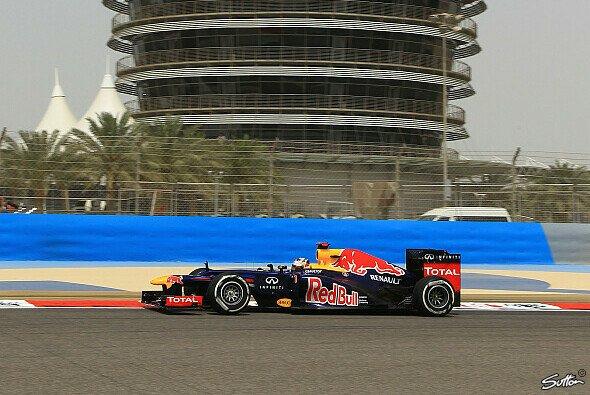Vettel sichert sich Bahrain-Pole - Foto: Sutton