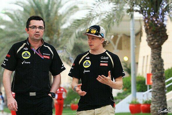 Kimi Räikkönen diskutierte mit Teamchef Eric Boullier über eine Teilnahme an der WRC - Foto: Sutton