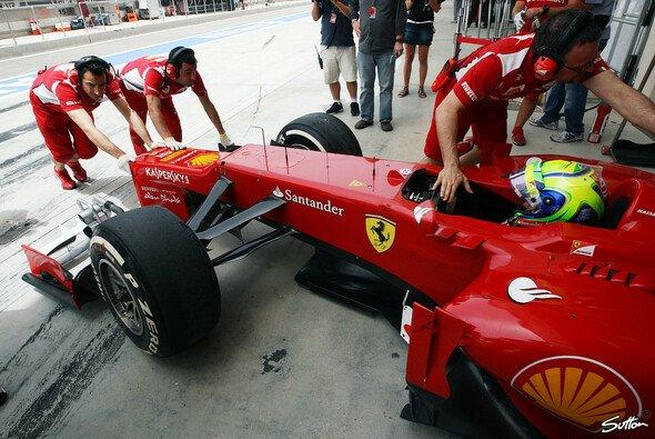Aus Tradition: Rund um Ferrari wird es nie ruhig - Foto: Sutton