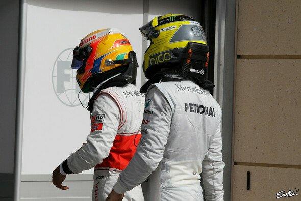 Noch Gegner, bald in einem Team: Lewis Hamilton (links) und Nico Rosberg (rechts)