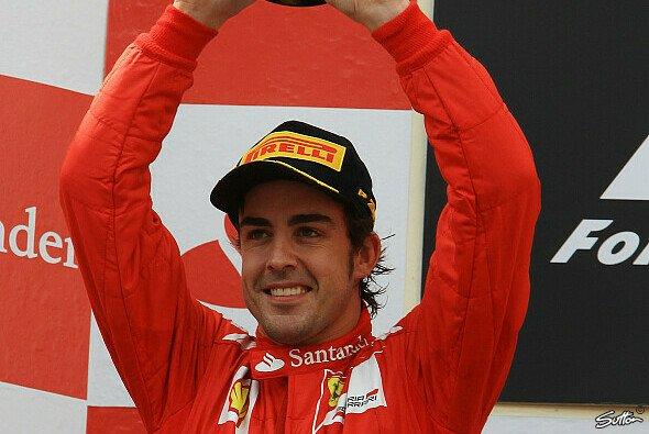 Fernando Alonso weinte dem Sieg nicht hinterher - Foto: Sutton