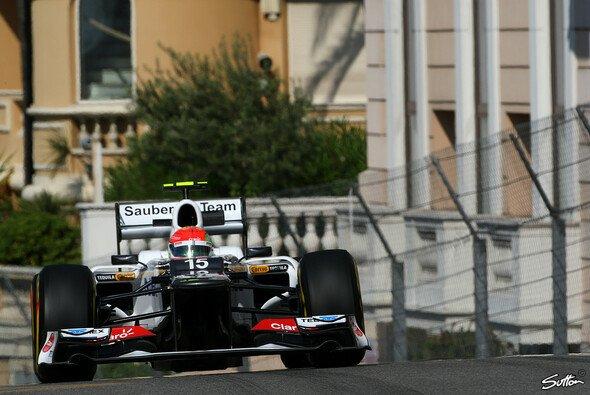 Sergio Perez flog im Qualifying in die Leitplanke - Foto: Sutton