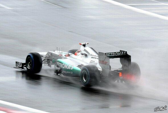 Kann Michael Schumacher auch bei trockenen Bedingungen überzeugen? - Foto: Sutton
