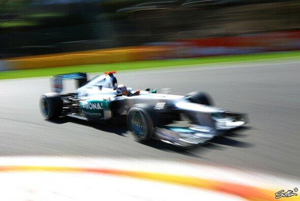 Wie weit schafft es Michael Schumacher bei seinem 300. F1-Rennen nach vorn?