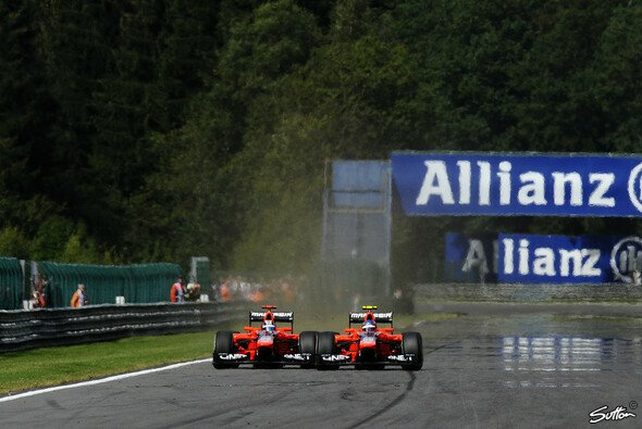 Teaminternes Duell in Spa: Timo Glock und Charles Pic - Foto: Sutton