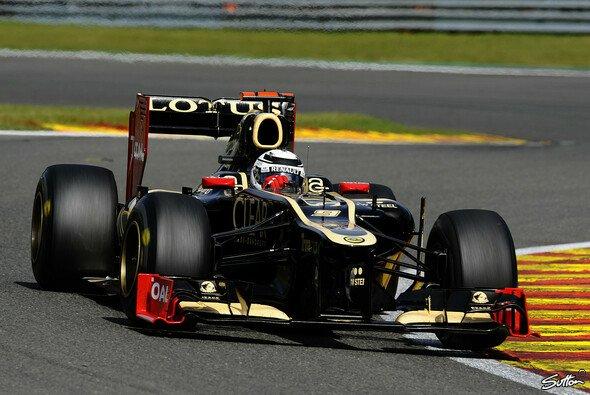Kimi Räikkönen bleibt im Kreis der Titelanwärter - Foto: Sutton