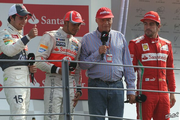 Gerüchteküche pur: Steht hier das zukünftige Ferrari-Duo Perez & Alonso neben der neuen Mercedes-Doppelspitze Hamilton & Lauda?