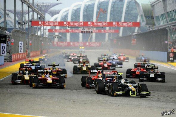 Elf Mal heulen im Rahmen der Formel 1 die Motoren auf