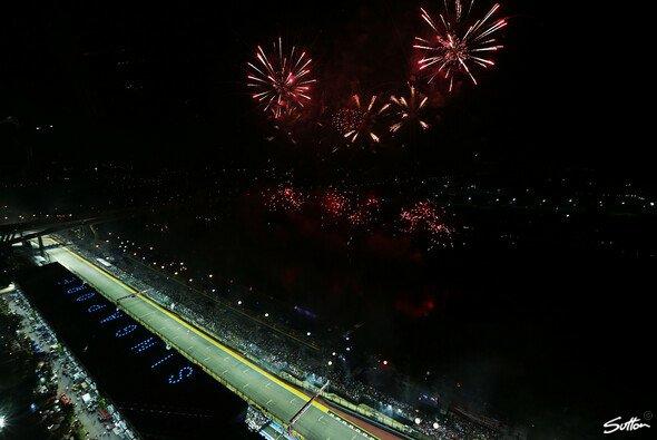 Nachtrennen & Freudenfeuerwerk: Bangkok will das zweite Singapur werden