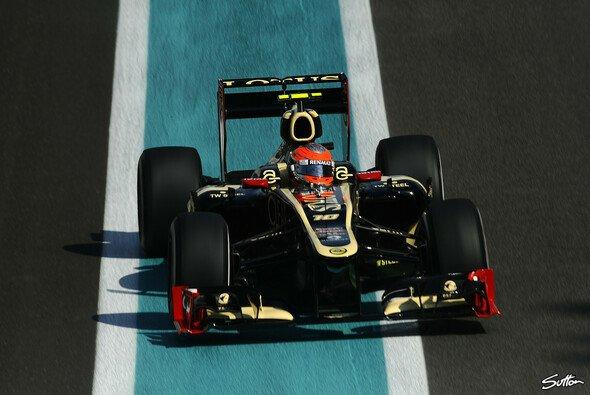 Die neuen Flügel verbleiben am Lotus-Chassis