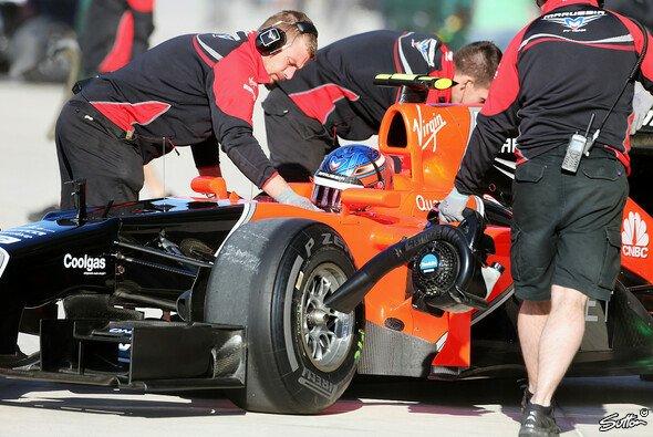 Nach dem Crash von Charles Pic und Sergio Perez gab es viel Arbeit für marussia