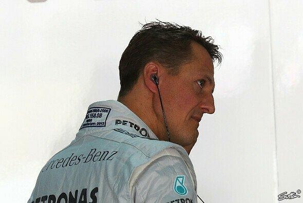Michael Schumacher soll laut Medienberichten in einem Pariser Krankenhaus behandelt werden - Foto: Sutton