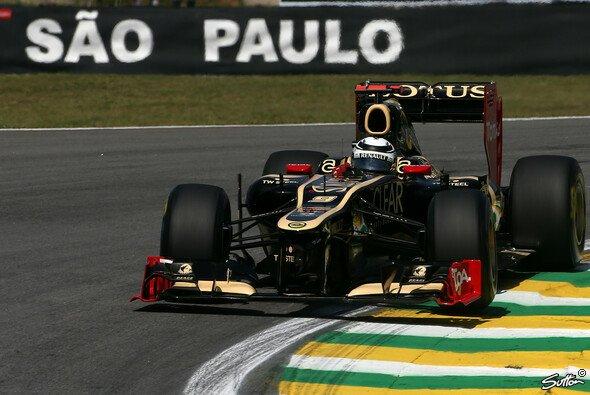 Kimi Räikkönen hofft auf eine Steigerung am Samstag - Foto: Sutton