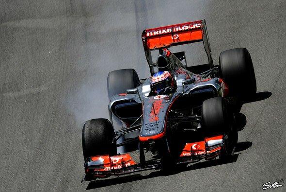 Die McLaren-Piloten brachten die Reifen bereits auf den ersten Metern zum Arbeiten
