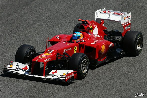 Fernando Alonso bleibt noch gelassen