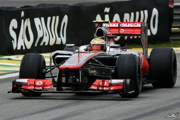 Hamilton startet in seinem letzten Rennen für McLaren von P1