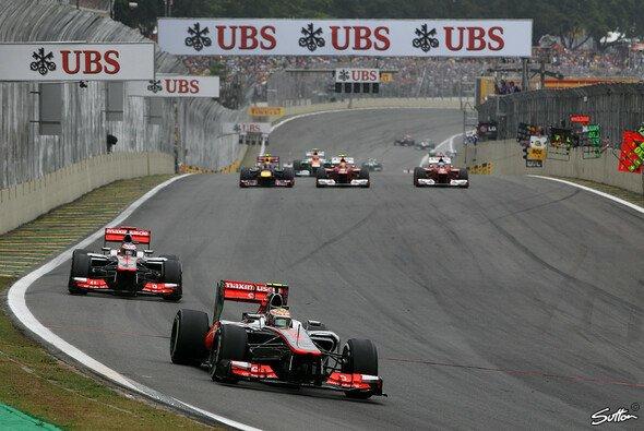 Zwischenzeitlich sag es sogar einem Doppelsieg für McLaren aus