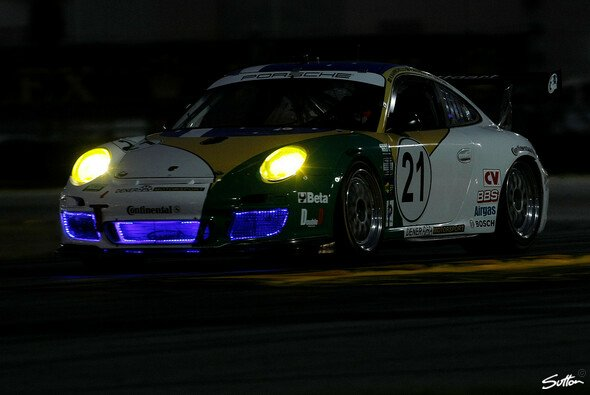 Für Porsche lief es in Daytona nicht rund - Foto: Sutton