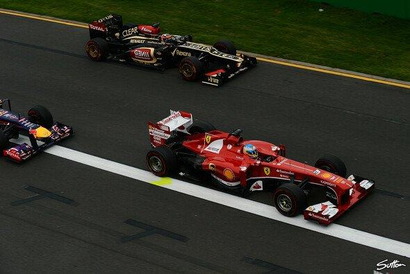 Red Bull sieht Villeneuve nicht im Bild: Für ihn machen Alonso und Räikkönen den Titel unter sich aus - Foto: Sutton