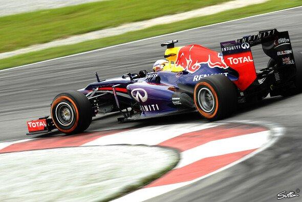 Erste Bestzeit des Wochenendes für Vettel - Foto: Sutton