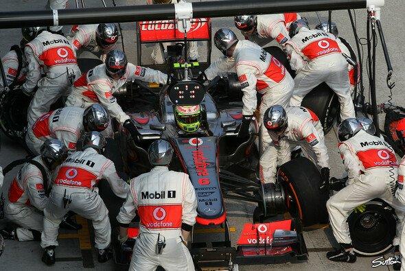 Start mit Hindernissen: Den Auftakt bei McLaren hat sich Sergio Perez einfacher vorgestellt - Foto: Sutton