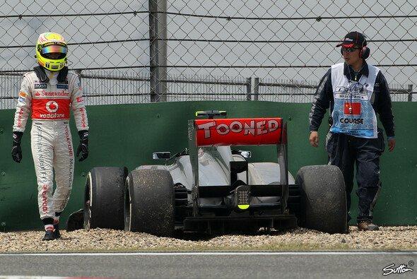 Sergio Perez machte Bekanntschaft mit der Streckenbegrenzung - Foto: Sutton