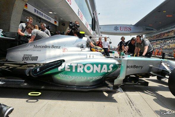 Lewis Hamilton: Folgt auf die erste Pole mit Mercedes auch der erste Sieg? - Foto: Sutton