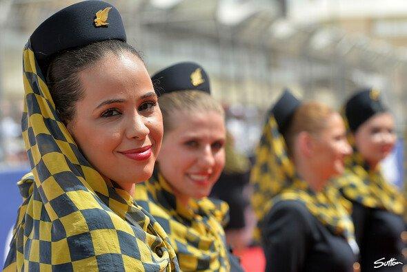Die Grid Girls freuen sich auf den Großen Preis von Bahrain