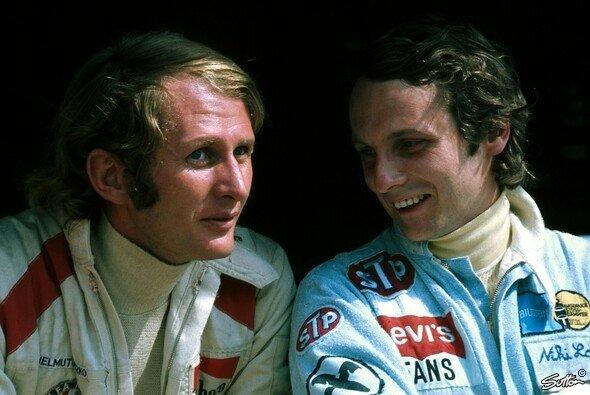 Helmut Marko und Niki Lauda debütierten 1971 beim Großen Preis von Österreich zusammen in der Formel 1 - Foto: Sutton