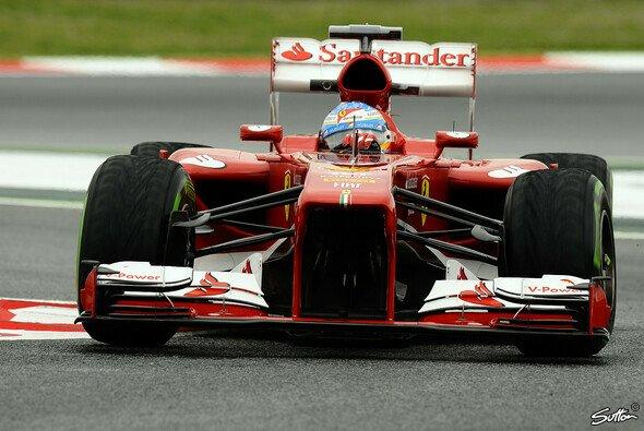 Fernando Alonso holte sich die Bestzeit - Foto: Sutton