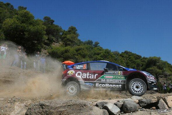 Für Evgeny Novikov ist die Rallye Sardinien beendet - Foto: Sutton