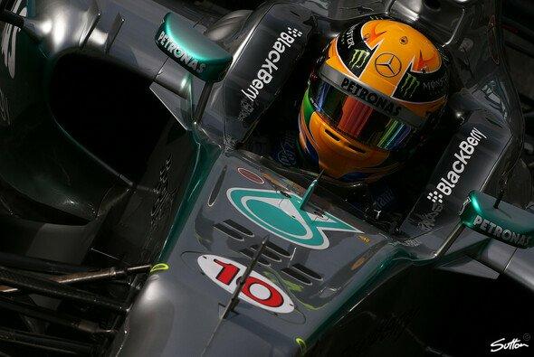 Hamilton startet aus der Pole ins Heimrennen - Foto: Sutton