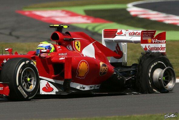 Pirelli zieht aus den fatalen Reifenschäden Konsequenzen - Foto: Sutton