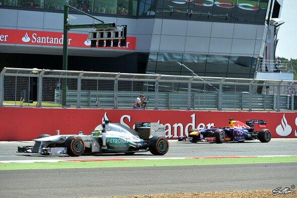 Hat Mercedes auch in der Eifel die Nase vorn? - Foto: Sutton