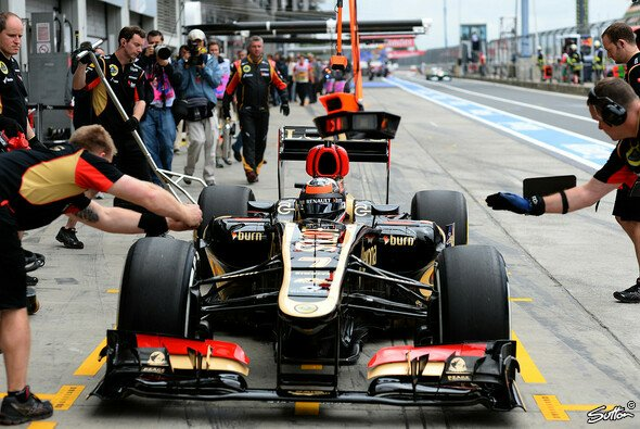 Lotus hat einen möglichen Sieg wohl in der Boxengasse verspielt.