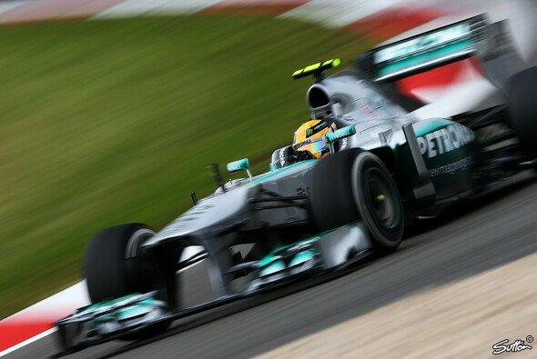 Dritte Pole der Saison für Lewis Hamilton - Foto: Sutton