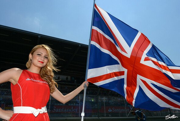 Willkommen im Home of British Motor Racing - Foto: Sutton