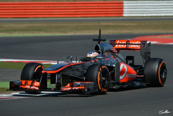 Gary Paffett im MP4-28 bei den Young Driver Tests in Silverstone 2013
