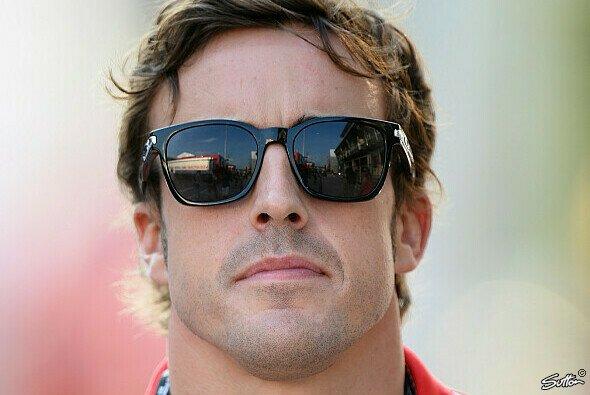 Fernando Alonso ist ein gefragter Mann - Foto: Sutton